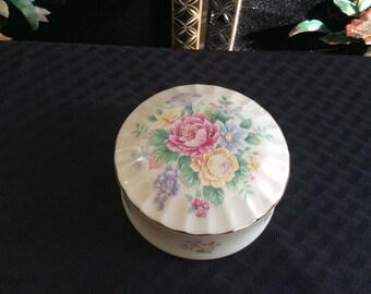 On Sale!  Vintage Heritage House Musical Trinket Box Heart,Cream Porcelain, Red & Yellow Roses, Gold Trim, Vanity Decor, Keepsake Gift