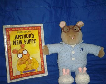 Arthur in pajamas plush w/ free book vintage toys