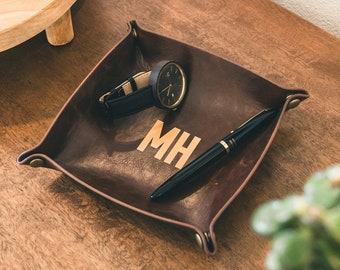 Engraved Leather Catchall - Great Gift for Boyfriends, Husbands & Dads - Perfect Desk and Office Organizer