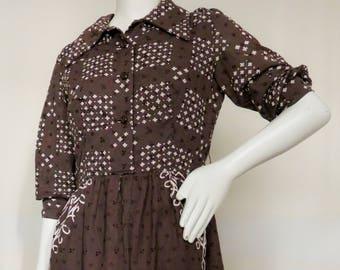 Vintage 1970s Oscar de la Renta Boutique Printed Cotton Eyelet Shirt Dress