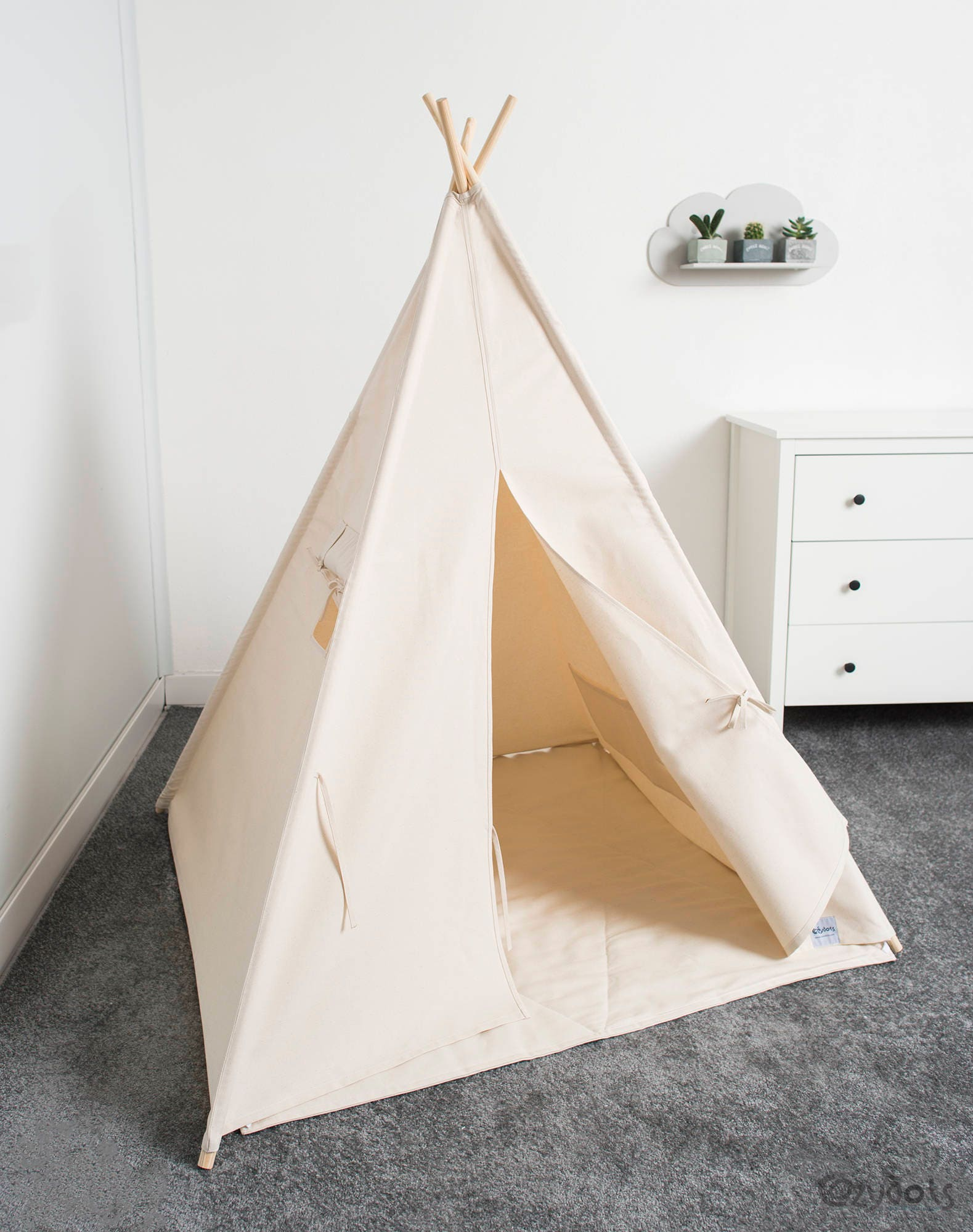 tipi indien les enfants jouent tente tipi tente indienne. Black Bedroom Furniture Sets. Home Design Ideas