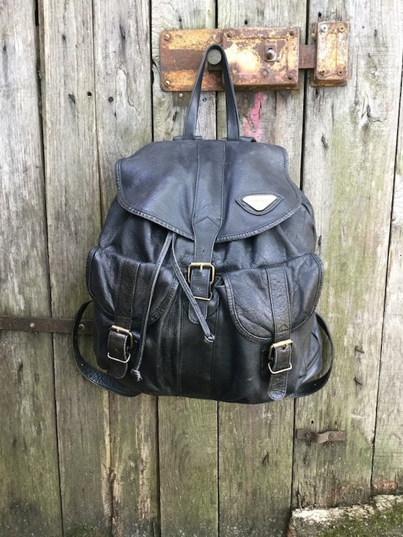 Vintage Backpack  90s  Black color  genuine leather  three  608ef9f4dbadf