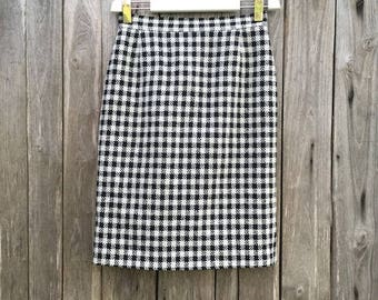 Vintage Skirt/ 90s/ square/ black and white/ High waist/ lined/ zip / wool/ size L