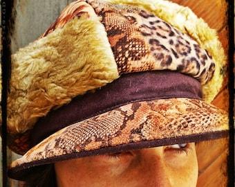 VINTAGE 80's hat // Lamb-wool hat//felt material//flower and animals prints