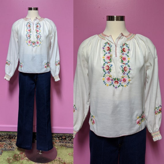 Hungarian Folk Embroidered Blouse/Size XS/S/Peasan