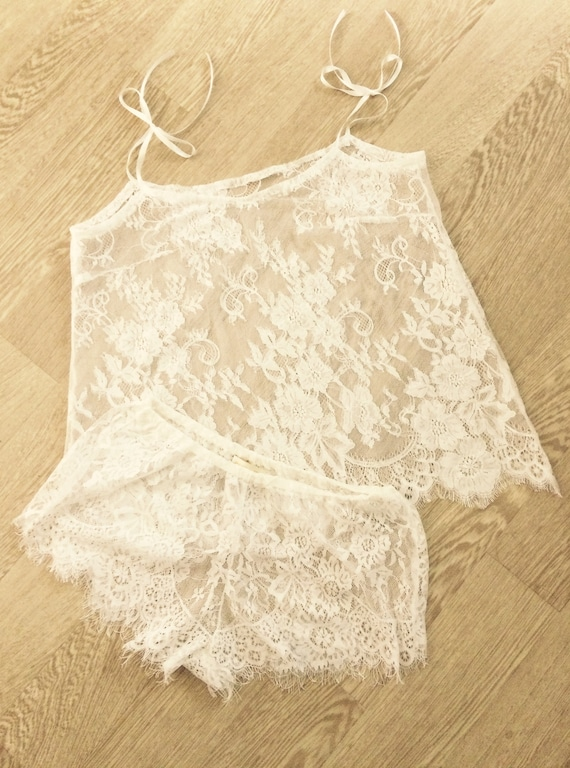 Short and top Chantilly Ivory lace Bridal lingerie  1e3020ca1