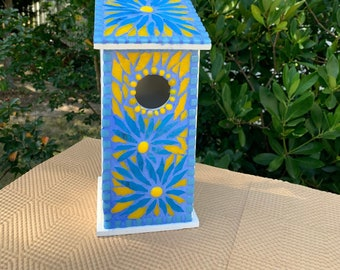 Mosaic birdhouse, blue bird house, decorative bluebird house, functional bluebird house