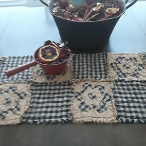 NEW Plaid Homespun PriMiTivE Rag Quilt Table Runner Blue Red Hearts Valentine/'s Day Turquoise Farmhouse Dusty Country