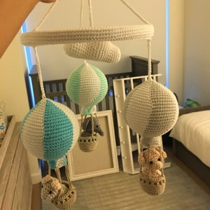 kindergarten mobile h keln tiere in hei luftballons etsy. Black Bedroom Furniture Sets. Home Design Ideas
