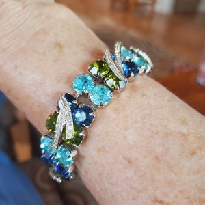 DEBORAH CROMBACH added a photo of their purchase