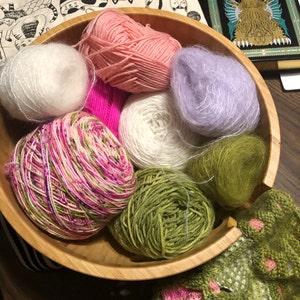 11 inch yarn bowl with double swirl cut FREE SHIPPING