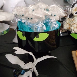 How to train your dragon inspired Chocolate Lollipop Party Favors