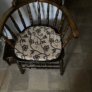 """APPROX.16/""""X 16/"""" JUPON SET OF 4 FLORAL PATTERN Dining//Kitchen CHAIR SEAT PADS"""