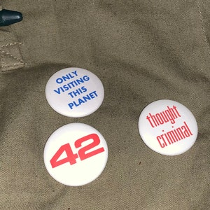 """They Live 4 Button Set 1.25"""" OBEY CONSUME CONFORM SUBMIT John Carpenter Piper"""