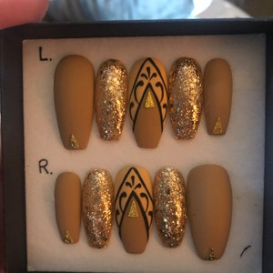 Roslyn West added a photo of their purchase