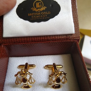 Select Gifts Dixon England Family Crest Surname Coat Of Arms Gold Cufflinks Engraved Box