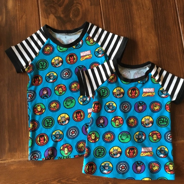 """Marvel Comic Retro Badge Knit 96/% cotton 4/% Spandex 58/"""" fabric by the yard"""