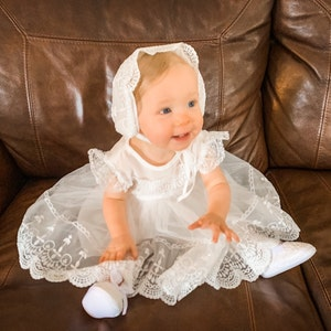 CARLOS Line.Nb to 18M.Baby Gown.Design your OWN outfit.Linen/&Bobbin lace.Naming day.Baptism.Christening.Dedication.Blessing.Handmade
