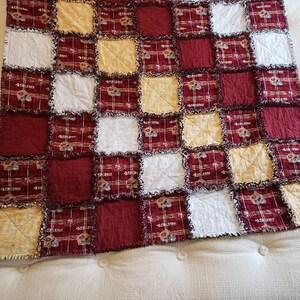 Cat Paw Prints Brown Elizabeth/'s Studio 181-BROWN sold by the 1//2 yard