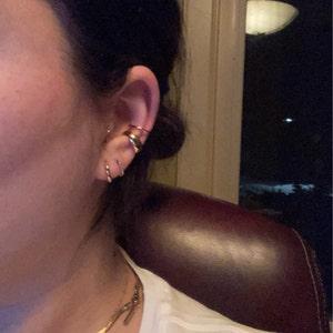Simple Band Ear Cuff • ear cuff no piercing • gold ear cuff • ear cuff non pierced • fake helix piercing • silver ear cuffs • fake piercings photo