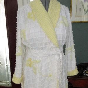 39abedcba8 Item154 Summer Womens Chenille Shorty Bathrobe Vintage