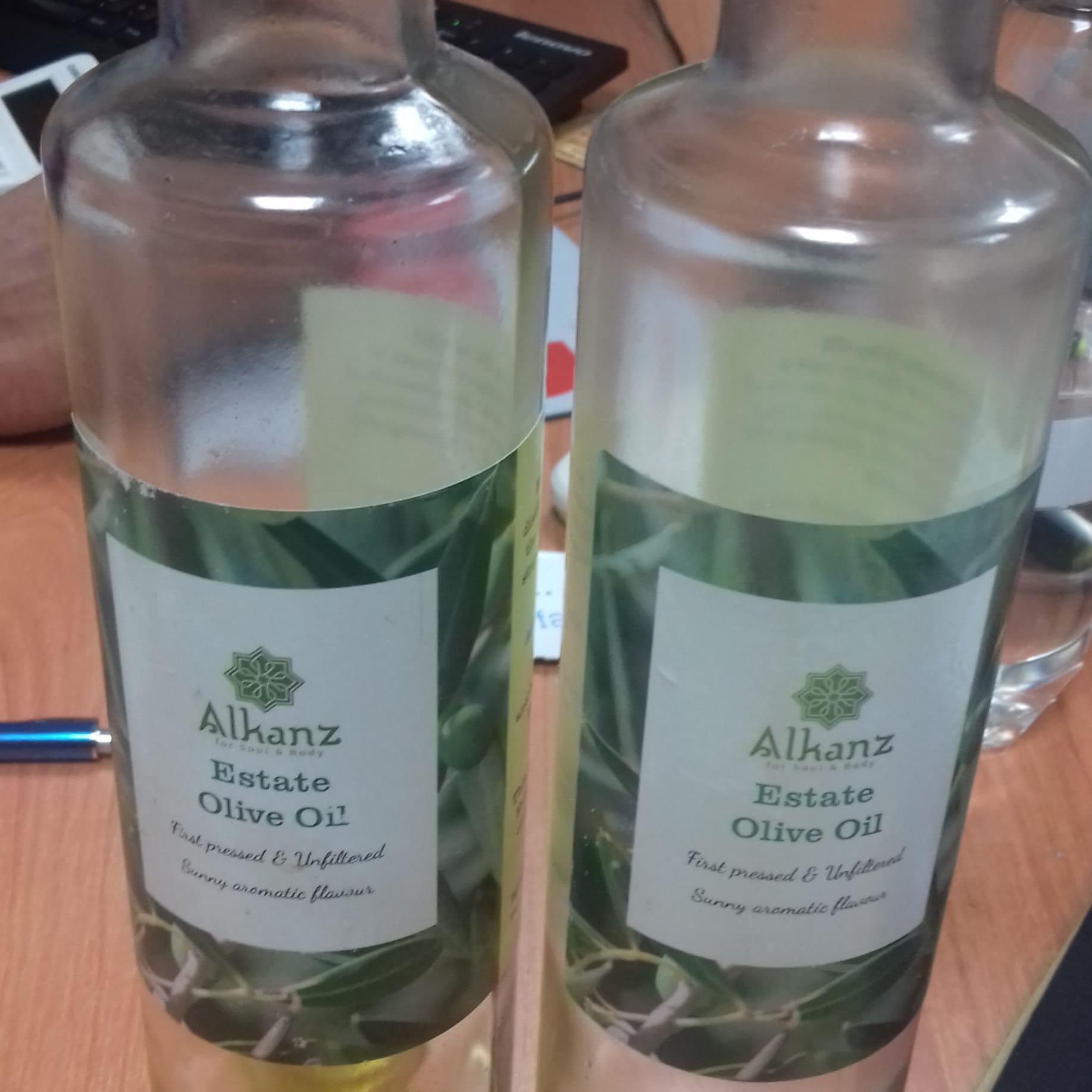 Rachelle Dasalla added a photo of their purchase