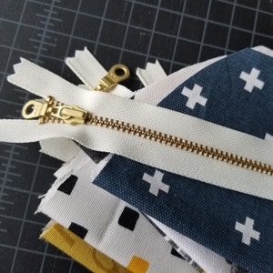 YKK Metal Teeth Zippers- Off White Ivory Brass with Donut Pull- 5 Pcs Color 502- Available in 4,5,6,7,8,9,10,12,14,16, 18, 20,22 or 30 Inch photo