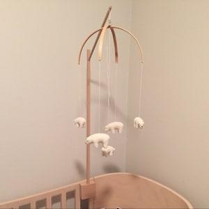 support mobile pour b b baby stand mobile mobile en bois etsy. Black Bedroom Furniture Sets. Home Design Ideas