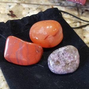 Carnelian Small / Medium Tumbled Stone T17 photo