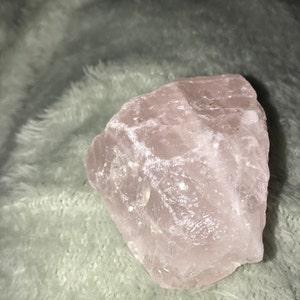 Rose Quartz Chunk U30 photo
