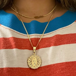 ALEX AND ELSA 14K Real Gold Guadalupe Necklace 18 LONG-20x9mm// 14K ORO Real Cadena DE Guadalupe 18 Largo