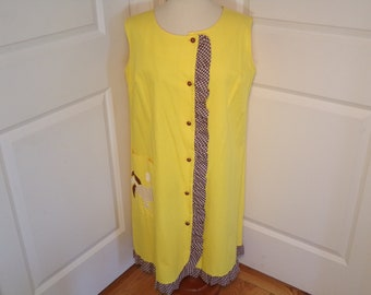 Vintage 1960's  Yellow Dress w/Rooster On Pocket  L/XL