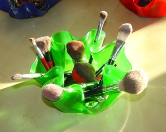 """Green Record Bowl / Colored Record Bowl / 12"""" Vinyl LP / Make Up Brush Storage / Funky / Cool / Modern / Colorful / Bright / Bowl / Green"""
