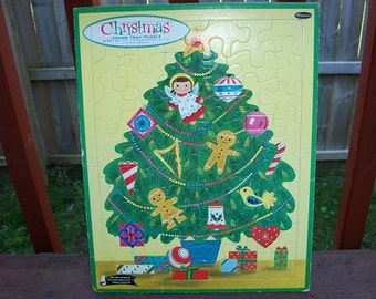 Vintage ChristmasTree and Presents Frame Tray Puzzle