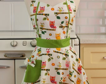 Retro Apron Perched Owls on White - MAGGIE
