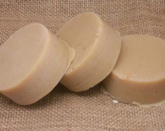 Bois de santal sacré sans chèvres de noix de coco lait de savon à raser 5 oz