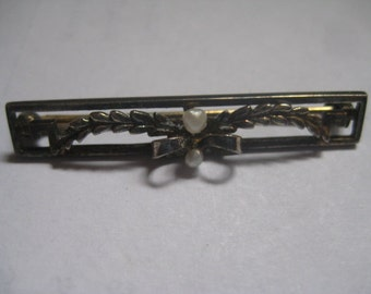 Antique Victorian or Edwardian Bar Pin in Gold Plate withSeed Pearls on Floral Design