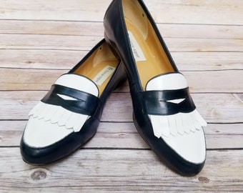 Vintage Etienne Aigner Navy White Loafers womens size 10