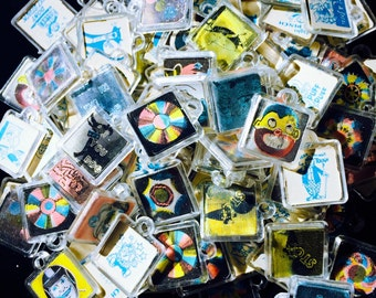 3pcs TINY FLICKER CHARMS Retro Vintage Plastic