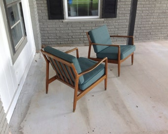 Matching pair of midcentury modern Dux chairs
