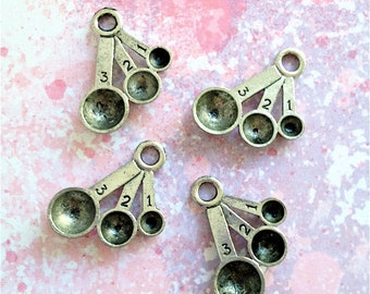 Measuring Spoon Charms --4 pieces-(Antique Pewter Silver Finish)--style 851-Free combined shipping