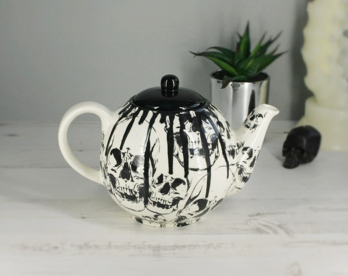 Gothic Skull teapot, unique tea kettle, Halloween ceramic, tea-pot skulls, birthday xmas present gift, traditional caldron, 6 cup tea pot