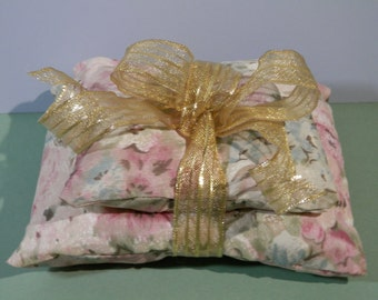 5x4x1 Lavender Sachet Floral Fabric Bundle Pillow Fragrant Boudoir Aroma Therapy Cushion Bedroom Vanity Dresser Nightstand Relaxation Gift