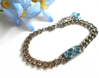 Chain bracelet with Swarovski crystals blue