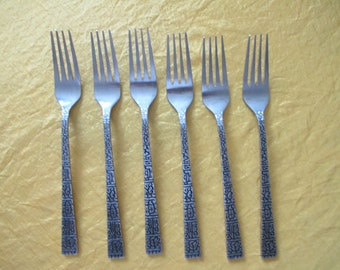 18 piece Supreme Cutlery now Towle  TWs unknown pattern  stainless tableware REDUCED PRICE