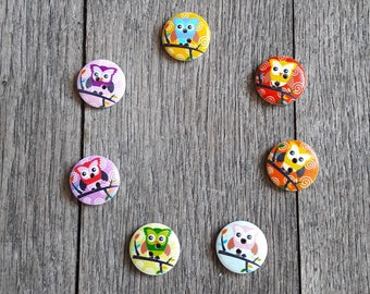 Set of 5 wooden buttons, colorful owls, 20mm, red, pink, blue, orange