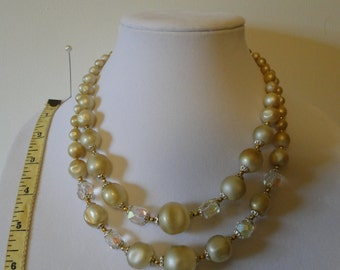chunky 2 tier necklace cream and irredescent beads