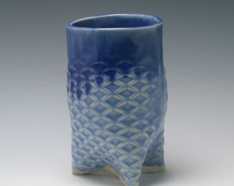 Handmade ceramic tripod yunomi teabowl or small vase with diamond texture holds 16 ounces liquid in shades of Blue/Ceramics and Pottery