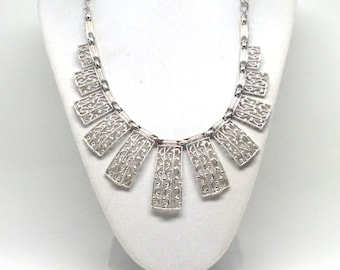 Sarah Coventry Signed Dangle Silver Tone Vintage Estate Necklace