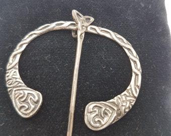 Vintage Sterling Silver Penannular Celtic Kilt/Cloak Pin